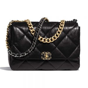 Chanel Women 19 Maxi Flap Bag in Goatskin Leather-Black