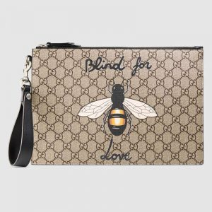 Gucci GG Men Gucci Bestiary Pouch with Bee in BeigeEbony Soft GG Supreme with Bee