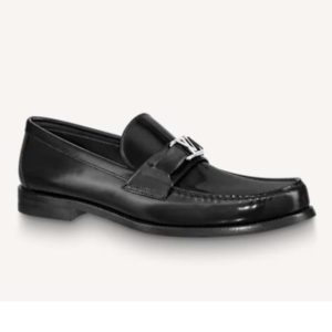 Louis Vuitton Men Major Loafer Glazed Calf Leather Silver LV Initials Accessory